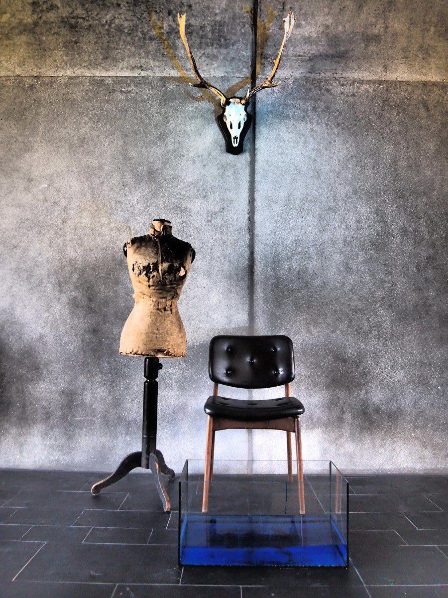Alexandra Gebhart: Stillleben mit Stuhl